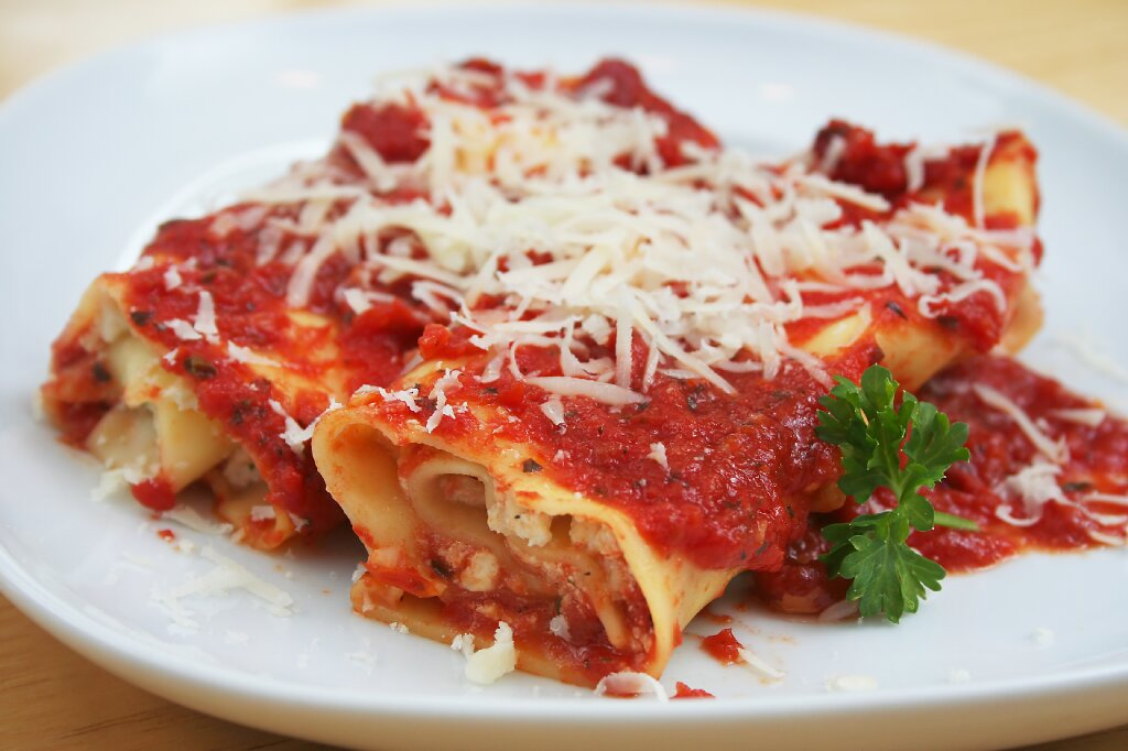 Sal's Pizza & Steaks Manicotti